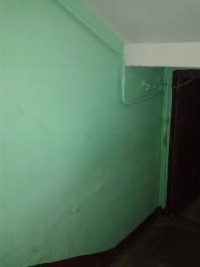 Рис. 2. Пример подземного ввода. Вид в подъезде, т.к. снаружи здания трубопроводы скрыты (невидны)